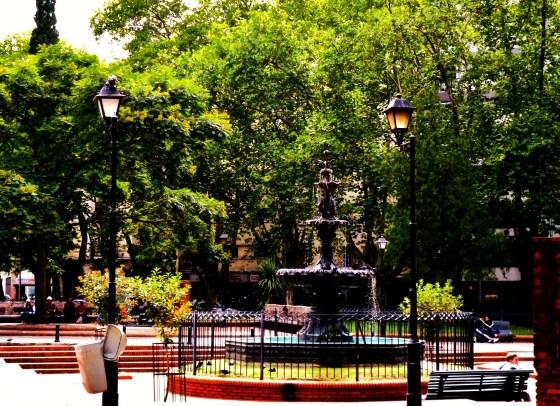 """Plaza de Los Treinta y Tres. Barrio """" El Cordón"""" Foto de Stella."""